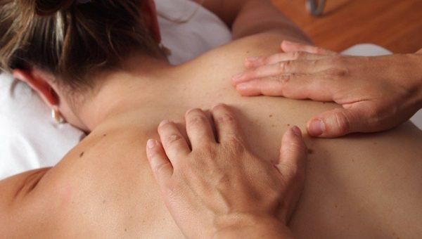 Les différentes huiles de massage et leurs bienfaits